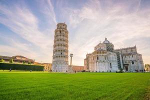 Kathedrale von Pisa und der schiefe Turm