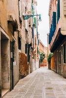 touristische Routen der alten Straßen Venedigs von Italien foto