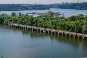 Brückenwasserkraft am Fluss Dnjepr foto