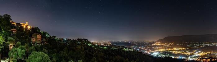 Panorama im Süden von Frankreich schön foto