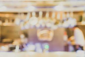 Innenhintergrund des abstrakten Unschärferestaurants - Weinlesefilter foto