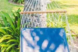 leere Hängematte im Garten foto