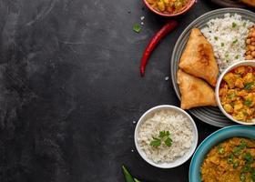 Draufsicht des köstlichen Nahrungsmittelkonzepts mit Kopierraum