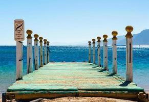 rustikaler hölzerner Pier