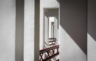 abstrakte Musterwände und Geländer