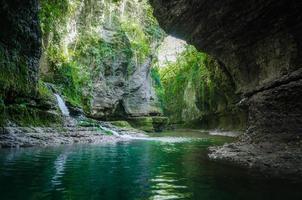 Wasserfall und Bach