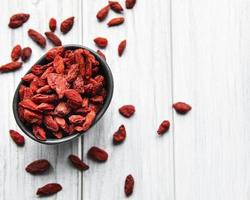 trockene rote Goji-Beeren für eine gesunde Ernährung foto