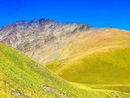 malerische Tusheti Nationalpark Blick auf Atsunta Pass Wanderweg foto