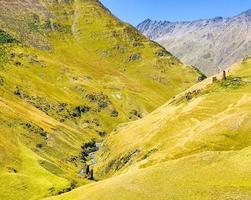 Blick auf den Atsunta Pass und Wanderwege foto
