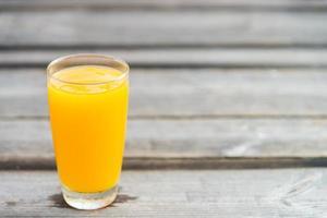 Orangensaftglas