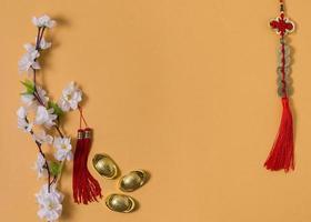 gelber Hintergrund des chinesischen Neujahrskonzepts foto