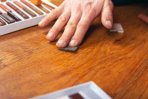 Reparatur und Restaurierung von Laminat und Parkett foto