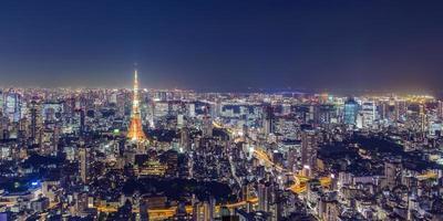 Stadtbild von Tokio in der Nacht foto