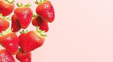fallende Erdbeeren mit rotem Hintergrund und Raum für Text, 3d Illustration foto