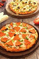 Pizza-Combo-Shooting für ein Angebot oder einen Deal zum Kauf bekommt man gratis foto