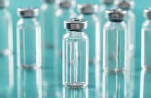 vorbeugende Coronavirus-Impfstoffflasche foto