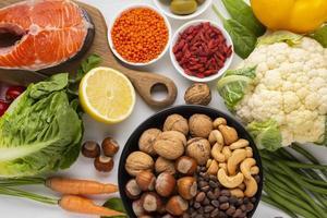 Flay Lay von natürlichen gesunden Lebensmitteln foto