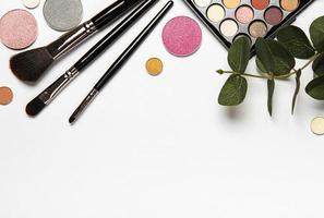 Make-up mit Blättern foto