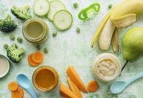 Rahmen aus frischem Gemüse und Saft foto
