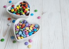 Schalen mit Süßigkeiten foto