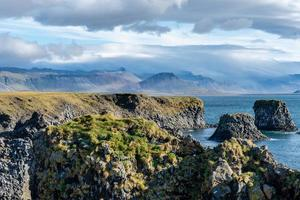 Blick auf die Westküste in Island foto