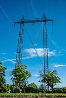 Stromleitungen während des Tages foto