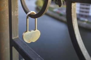 Metallschloss Symbol der Liebe foto