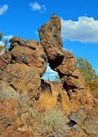 Wüstentorbogen - natürlicher Bogen am Steamboat Rock - westlich von Terrebonne oder foto