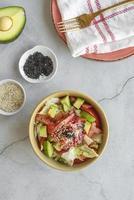 gesunde Meeresfrüchte mit Avocado foto