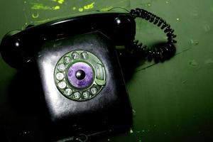 Vintage Festnetztelefon mit Spiralkabel foto