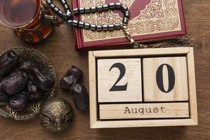 islamische Neujahrsdekorationen mit Kalender foto