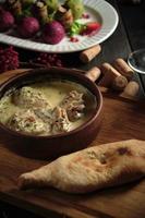 Bürger- und Vorspeisenbällchen mit Gemüse-Catering-Menü foto