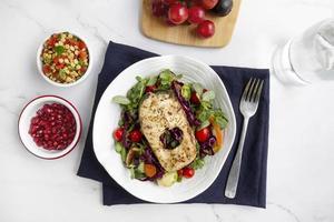 Salat mit Protein-Diät-Lebensmittelzusammensetzung Hintergrund foto