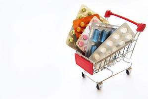 Einkaufswagen mit Pillen gefüllt foto
