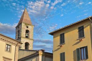 Nahaufnahme von bunten traditionellen italienischen Gebäuden foto