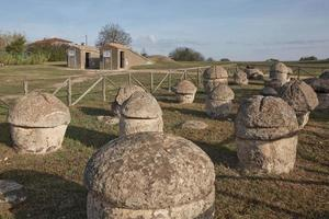 die etruskische Nekropole von Monterozzi foto