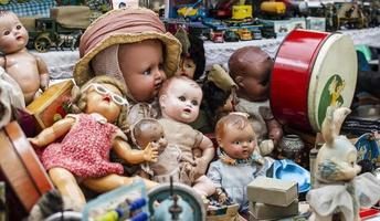 Antiquitätenmarkt Objekte Sortiment foto