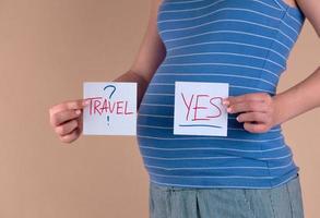 Reisekonzept während der Schwangerschaft foto