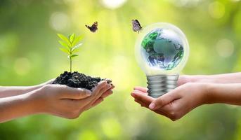 Konzept der Rettung der Welt, der Rettung der Umwelt foto