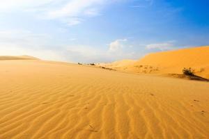 winken auf wüste bei mui ne südvietnam foto