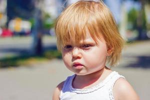 Porträt eines kleinen Mädchens foto