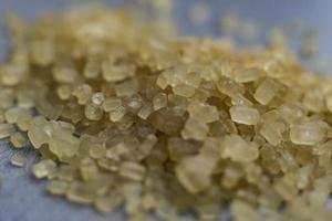 Makrokristalle aus braunem Zuckerrohr foto