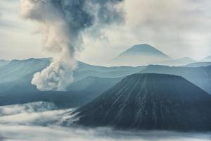 aktiver Bromo-Vulkan in Ost-Java-Indonesien foto