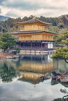 kyoto, japan 2019 - goldener kinkaku-ji-tempel in kyoto foto