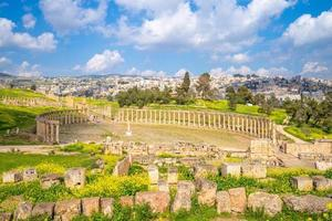 Ovales Forum und Cardo Maximus bei Jerash Jordan foto