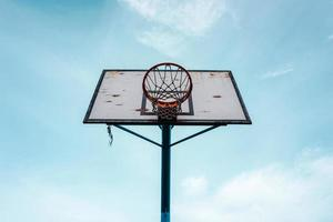 Straßenbasketballkorbsportausrüstung foto