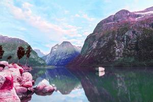 bunte Retro-Vaporwave-Landschaft foto