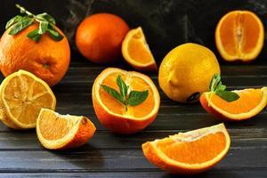 Konzept der gesunden Ernährung frische Zitrusfrüchte foto
