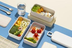 das leckere Bento-Box-Arrangement foto