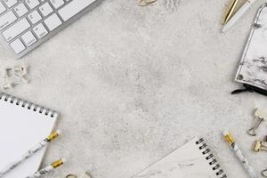 elegante Schreibtischzusammensetzung Draufsicht foto